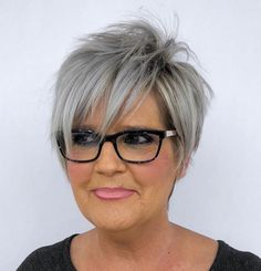 Fun Silver Pixie with Long Razored Layers red hair styles 80 Best Modern Hairstyles and Haircuts for Women Over 50 Popular Short Hairstyles, Short Pixie Haircuts, Modern Hairstyles, Short Hairstyles For Women, Cool Hairstyles, Hairstyles 2018, Fine Hair Styles For Women, Wedding Hairstyles, Pixie Hairstyles