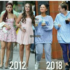 Me and my best friend at school vs me and my best friend at home 🤣 Ariana Grande Meme, Ariana Grande Fotos, Ariana Grande Outfits, Ariana Grande Pictures, Ariana Grande Background, Ariana Grande Wallpaper, Dangerous Woman Tour, Barbie, Queen
