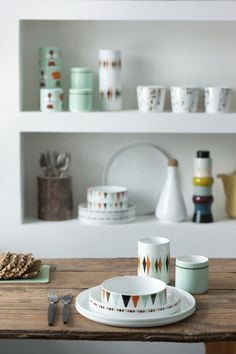 Cheerful mug with animal picture of Darling Clementine for Ferm Living. This child cup fits perfectly with the other dishes from Ferm Living. Decor Interior Design, Interior Decorating, Geometric Furniture, House Doctor, Dinner Sets, Deco Design, Home And Deco, Teller, Danish Design