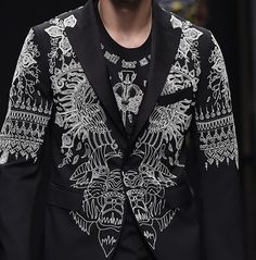 patternprints journal: PRINTS, PATTERNS, TEXTURES AND TEXTILE SURFACES FROM MENSWEAR S/S 2016 COLLECTIONS / MILANO CATWALKS John Richmond