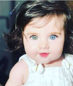 Was ist deine Augenfarbe? Cute Little Baby, Baby Kind, Pretty Baby, Cute Kids Pics, Cute Baby Girl Pictures, Cute Eyes, Pretty Eyes, Gorgeous Eyes, Beautiful Children