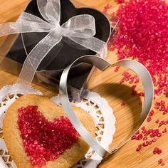 These heart shaped cookie cutters from the Favor Saver Collection make a hearty addition to your love-filled day. Guests are sure to put their heart into baking every batch of cookies they make with these adorable heart shaped cookie cutters. Heart Shaped Cookie Cutter, Metal Cookie Cutters, Cookie Cutter Set, Cookie Dough, Wedding Favors Unlimited, Inexpensive Wedding Favors, Valentine Cookies, Valentine Ideas, Valentine Party