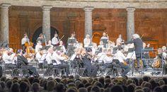 Sir Simon Rattle y la Orquesta de Londres cautivó al público congregado en el Palacio de Carlos V de Granada