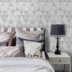 Papel de parede geométrico triângulos em tons de cinza. Tamanho: 1 Rolo de 3m (altura) X 50cm (largura).