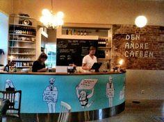 Teater:   Det Andre Teatret - Barn og impro. Med egen kafé og bar.
