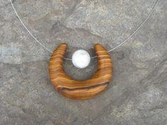 http://fr.dawanda.com/bijoux-en-bois/?page=3