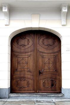 Door detail in Cracow, Poland - photo by Monica Krzysztofik   www.monicakrzysztofik.com