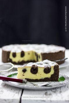 Cum se face reteta de Prajitura ruseasca cu branza My Recipes, Cake Recipes, Favorite Recipes, Romanian Food, Appetizers For Party, Cheesecakes, How To Make Cake, Cake Cookies, Food And Drink