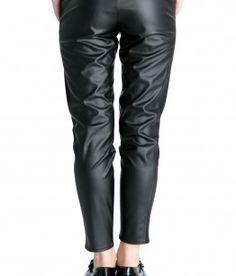 www.bluzat.ro Leather Pants, Fashion, Leather Jogger Pants, Moda, Leather Joggers, Fasion, Leather Leggings, Trendy Fashion, La Mode
