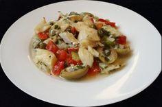 Insalata di baccalà alla marinara con peperoni e olive