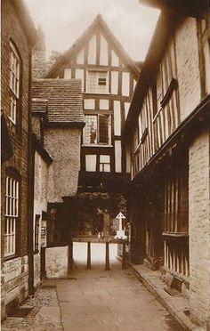 Abbot Reginald's Gateway, Evesham, UK.
