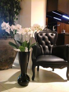 Květiny na recepci, kuchyňské studio Sykora