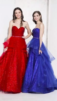 Prom Dresses Blue, Mermaid Prom Dresses, Club Dresses, Strapless Dress Formal, Fashion Show Dresses, Indian Fashion Dresses, Prom Dress Stores, Stunning Dresses, Evening Gowns