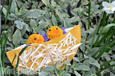 Adorable Paper Plate craft for Preschoolers: Making paper plate nests! So cute!