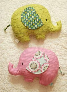 Retro Mama Elephant Softies sewing class- diy these little elephant pillows! - Retro Mama Elephant Softies sewing class- diy these little elephant pillows! Sewing Toys, Baby Sewing, Sewing Crafts, Baby Crafts, Felt Crafts, Fabric Crafts, Sewing Pillows, Diy Pillows, Softies