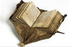 Rarissima legatura a cintura, in pelle morbida e fermagli e angolari in ottone, realizzata in Danimarca nel 1535