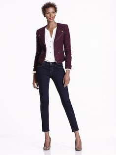 A blazer, denim & pumps = effortless style every time. Great for Casual Friday!