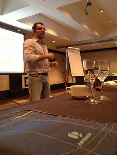 Miguel Feyo - Professor Marketing - MBA Gestão de Eventos e Cerimoniais de Luxo - Roberto Miranda Educação Corporativa