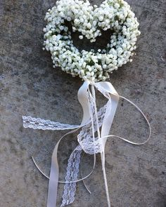Love this baby's breath wand for flower girl ~ sophisticated floral