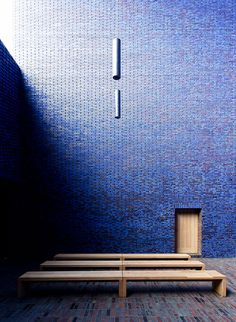 Meditation Chapel in Blue III by yushimoto Sacred Architecture, Church Architecture, Religious Architecture, Architecture Details, Interior Architecture, Interior And Exterior, Architecture Religieuse, Glazed Brick, Modern Church