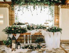 Nos pusimos a soñar y aquí está esta mesa de postres frutal e iluminada. Table Decorations, Flowers, Wedding, Furniture, Home Decor, Mesas, Colors, Valentines Day Weddings, Decoration Home