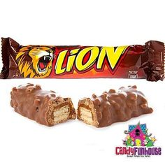 A classic British candy bar, Nestle Lion Bars are crafted from delicious caramel filled wafers with crisp cereal and smothered in rich Nestle milk chocolate! Lion Bar Chocolate, Terry's Chocolate Orange, Chocolate Brands, Chocolate Toffee, Chocolate Sweets, Chocolate Caramels, Bulk Candy, Candy Store, Chocolate Hobnobs