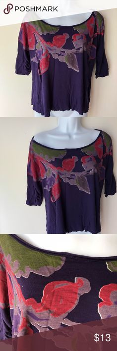 Purple tunic, size Small One tiny hole on the back. As pictured. Can wear on both shoulders or one shoulder with slouchy style. language Tops Tunics