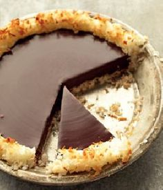 Crisp coconut and chocolate pie. Martha Stewart. ONLY 4 INGREDIENTS!!!