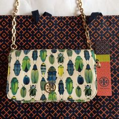 "Spotted while shopping on Poshmark: ""NWT Tory Burch Robinson beetle crossbody mini bag""! #poshmark #fashion #shopping #style #Tory Burch #Clutches & Wallets"