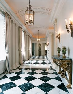 Upper East Side Penthouse Hallway by Mark Hampton Upper East Side, Interior Exterior, Home Interior, Floor Design, House Design, Chateau Hotel, Luxury Penthouse, Pent House, Lamp Design