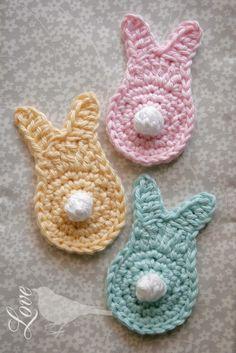 FREE Bunny pattern by  Love The Blue Bird ✿⊱╮Teresa Restegui http://www.pinterest.com/teretegui/✿⊱╮ Holiday Crochet, Crochet Bebe, Cute Crochet, Crochet Crafts, Crochet Toys, Crochet Projects, Crochet Bunny Pattern, Crochet Bunting, Easter Crochet Patterns
