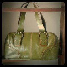 Hilliard&Hanson Small green Hilliard&Hanson leather purse. Used once. Hillard & Hanson Bags Shoulder Bags