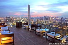 Octave Rooftop Bar & Lounge at Marriott Hotel Sukhumvit, Bangkok 360 degree Panaramic Views! Sky Bar Bangkok, Rooftop Bar Bangkok, Rooftop Bars Nyc, Rooftop Restaurant, Bangkok Hotel, Rooftop Terrace, Bangkok Thailand, Los Angeles Restaurants, Koh Chang