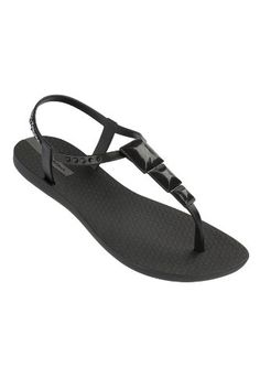 42e4936993d046 iPanema 2013 Maya Black and Black Sandal - love the detailing on these  sandals!