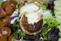 Ensalada de queso de cabra con nueces. www.restauranteespadana.es
