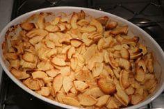 Cuisine-facile.com : Gratin de pommes fruits aux amandes : Imaginez un gratin, mais sucré cette fois, et à base de pommes fruits et de poudre d'amandes torréfiées.Ce délicieux dessert, où pommes et amandes se mélangent avec un appareil à la crème et à la vanille, va vous enchanter !