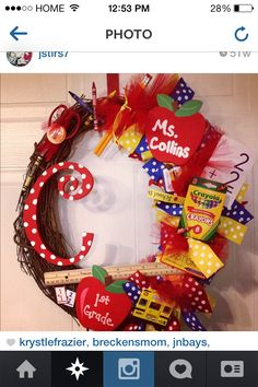 Teacher wreath!!! Great for Christmas!!
