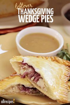 Turn Thanksgiving leftovers into delicious handheld wedge pies packed with mashed potatoes, turkey, and cranberry sauce! Thanksgiving Leftovers, Thanksgiving Recipes, Fall Recipes, Holiday Recipes, Turkey Leftovers, Thanksgiving 2017, Turkey Dishes, Leftover Turkey, Holiday Foods