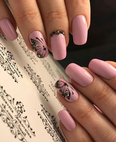 Butterfly nail art designs are loved by women because of its cute, colorful, beautiful patterns and symbolic significance, or simply because the design of butterfly nails has produced attractive effects on nails. Butterfly Nail Designs, Butterfly Nail Art, Ombre Nail Designs, Nail Art Designs, New Nail Art Design, Stylish Nails, Trendy Nails, Toe Nails, Pink Nails