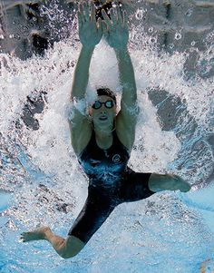Credit: Stefan Wermuth/Reuters Sophie Pascoe of New Zealand swims in the women's para-sport 100m breaststroke SB9 final #women #sport