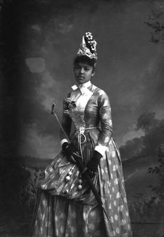 More Stunning Photos of African American Women in the Victorian Era Source Black Girl Long Hair Many of these photos are of a photographer Alvan S. Vintage Magazine, Foto Portrait, Cultura General, American Photo, Vintage Black Glamour, Vintage Glam, Photo Vintage, Victorian Women, Victorian Era
