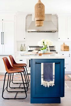 The Absolute Best White Paints For Your Home #purewow #renovation #decor #homedecor #home #hometrends #decortrends #whtiepaints #painttrends #boholighting