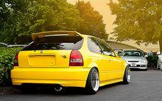 Voiture Honda Civic, Honda Vtec, Honda Civic Hatchback, Ek Hatch, Tuner Cars, Future Car, Gas Station, Mazda, Subaru