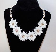 Soft Plastic Flower Necklace ~ Vintage White Daisy Choker w/ AB Rhinestones & Celluloid Links