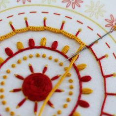 Another stitch close-up from the Mandala embroidery kit Handmade Embroidery Designs, Hand Embroidery Patterns Flowers, Border Embroidery Designs, Basic Embroidery Stitches, Hand Embroidery Videos, Hand Work Embroidery, Embroidery Kits, Indian Embroidery, Couture