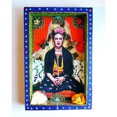 Niche vitrine Frida Kahlo avec papillons : Décorations murales par casa-frida