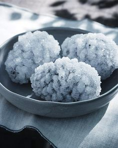 Crystal Coated Pinecones. Made with Epsom salts. Aren't these gorgeous?