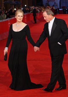 Meryl Streep usou um vestido colher-pescoço preto para o Festival de Cinema de Roma de 2009.
