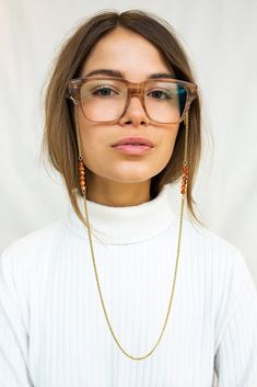 Sunnycords® are modern eyewear chains for your sunglasses. The Sunnycord® is a fashionable glasses cord for holding any kind of eyewear. Initially designed to never lose you glasses or reading glasses again. Shop your sunglass chain now online! Mai Tai, Tifosi Sunglasses, Diy Necklace, Pendant Necklace, Eyeglasses, Jewelery, Jewelry Accessories, Fashion Jewelry, Chain
