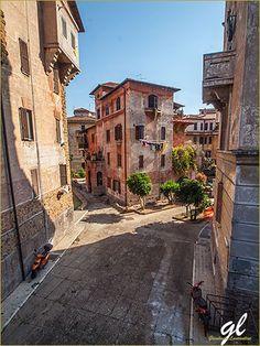 Get off the beaten path in the very authentic Roman neighbourhood of #Garbatella | Rome #lazioisme #10luoghiLazio